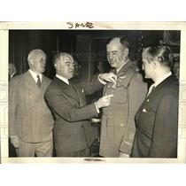 1939 Press Photo Maj CV Haynes, Dist. Flying Cross, E Swift,Red Cross,Woodring