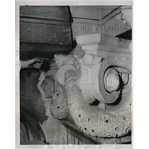 1937 Press Photo loosened slab of the Philadelphia city hall - nec60384
