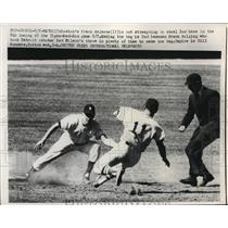 1959 Press Photo Detroit, Bostons Frank Malzone out at 2nd vs Tigers F Bolling