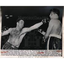 1950 Press Photo Bill Linberg Connects One With Lee Oma Third Round - nes12482