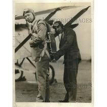 1929 Press Photo J M Russell Adjusts Congressman Phil Swing Parachute California
