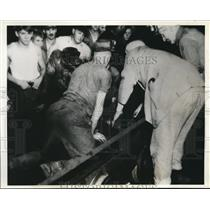 1937 Press Photo Miners Rescued at Black Diamond Mine in Johnstown