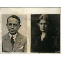 1925 Press Photo Mr. and Mrs. Tiffany Blake, passengers on train under fire