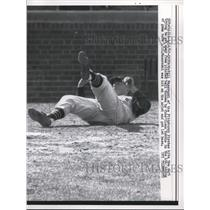 1962 Press Photo Bill Mazeroski of the Pittsburgh Pirates dive from pitch Ball.
