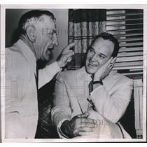 1952 Press Photo NYC Yankee manager Casey Stengel & Allie Reynolds - nes16903