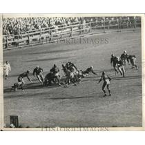1930 Press Photo View of Army Punching Through Navy Line for Football Win