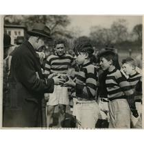 1930 Press Photo Lt Col Savage of LCC & Shillington Head soccer cup - nes18148