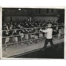 1932 Press Photo NAvy boxing coach Spike Webb& Jr boxers at Annapolis, Md