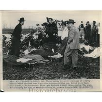 1950 Press Photo Bodies of Capt. Zarth,Rochester and Althoff after a plane crash
