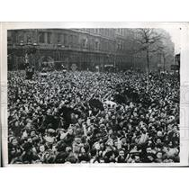 1947 Photo Mounted Cops Keep Order Trafalgar Square Royal Procession