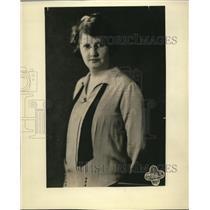 1928 Press Photo anna trentham hosts WRAL Radio Cooking show - nex10890