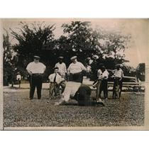 1923 Photo Fat Chicago Man Edward Moore Arranging Ball on Tee for Drive