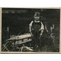 1918 Press Photo Little Bobby is building a wooden ship