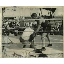 1931 Press Photo Boxer Victorio Campolo After Being Knocked Down by Ernie Schaaf
