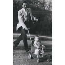 1949 Press Photo James Mason British Actor and daughter Portland Beverly Hills