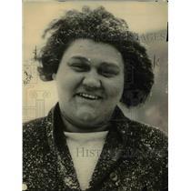 1922 Press Photo Etta Heine triumphs in her battle with fat