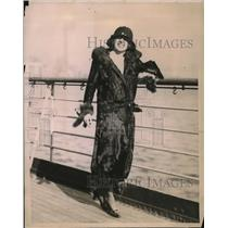 1922 Press Photo Theater actress Ms Lenora Hughes back in the NY from Europe