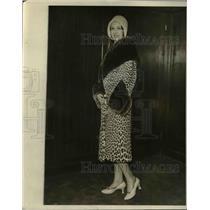 1930 Press Photo Beaver cuffs & collar on a Sauvoli leopard skin coat