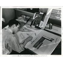 1959 Press Photo Package Designer for Sears Roebuck & Co.
