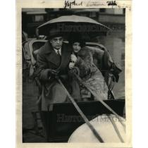 1926 Photo Society Folks Wilbur Lewis and Eleanor Mesner Carriage