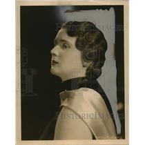 1934 Press Photo Mrs AV Datulo for social mission guild party