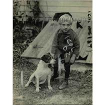 """1919 Press Photo Little Charlie white with Billy Dansey's pup """"Jack"""""""