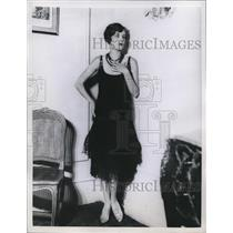 1928 Press Photo Model Wearing Black Lace Evening Gown
