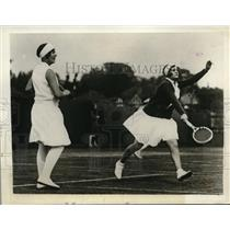 1929 Press Photo Betty Nuthall & Helen Jacobs at Wimbledon tennis - nes23077