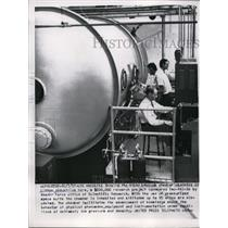 1957 Press Photo Los Angeles this is the steel pressure chamber operated
