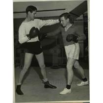 1931 Press Photo Charley Paddock Training for The Olympics with Boxing