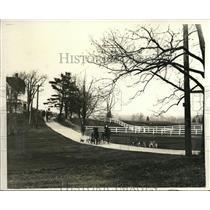 1931 Press Photo Mrs Tucker Bur Jr leads hunt at Denham Hunt Club