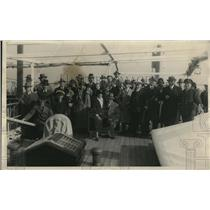1924 Press Photo Group of 41 passengers of the SS Zacapa rescued by SS Tena