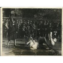 1926 Press Photo Odette Myrtil, Primadonna Opera Singer, Teaches Ducks To Sings