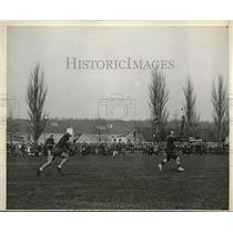 1930 Press Photo Oxford-Cambridge combined lacrosse team beating the Navy team