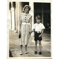 1933 Press Photo Mrs. Huntington Erhart & son Huntington Erhart Jr.