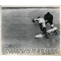 1949 Press Photo St Louis, Al Zarilla of St Louis Browns slids at 2nd base Phil