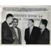 1959 Press Photo United Nations NY holding informal discussion are members of
