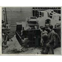 1940 Press Photo Furniture loaded in the truck in Shenandoah, Pennsylvania