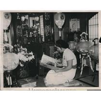 1936 Press Photo Eixo Takahashi at Shrine for Father Korekiyo Takasashi