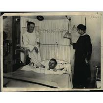 1925 Press Photo John C CPorter in Wm Beaumont hospital with spine injury