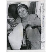 1964 Press Photo Mrs. Anna Hirschberg, 72-year old widow from New Jersey