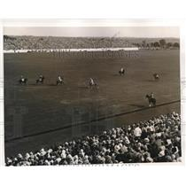 1939 Press Photo International Cup polo match crowds watch a chucker - nes24896