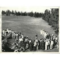 1938 Press Photo Miami Fla Gallery watch Harold Jug McSpaden in Miami Open