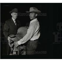 1950 Press Photo Rodeo Champ