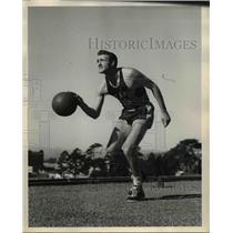 1948 Press Photo Forward Gordon Cuneo, University of California Basketball Team