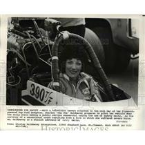 Press Photo Shirley Muldowney, camera in dragster driving on safety belt use
