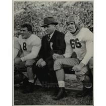 1940 Press Photo Cecil Wetzel Tom Brannigan, Les MacLenan at football