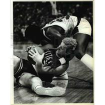 1983 Press Photo Portland's Calvin Natt with Larry Bird