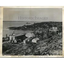 1942 Press Photo MacKenzie River Basin, Province of Alberta Canada, searching