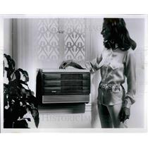 Press Photo Hotpoint's Deluxe Porta-Cool room air conditioner